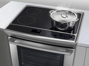 Cucina Elettrica a Induzione: vantaggi e svantaggi